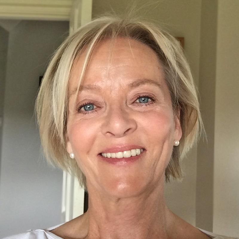 Jane Field, Jonny's Sister
